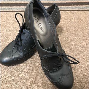 Kelly & Katie black Vintage style tie heels